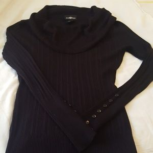 Cute black top, medium